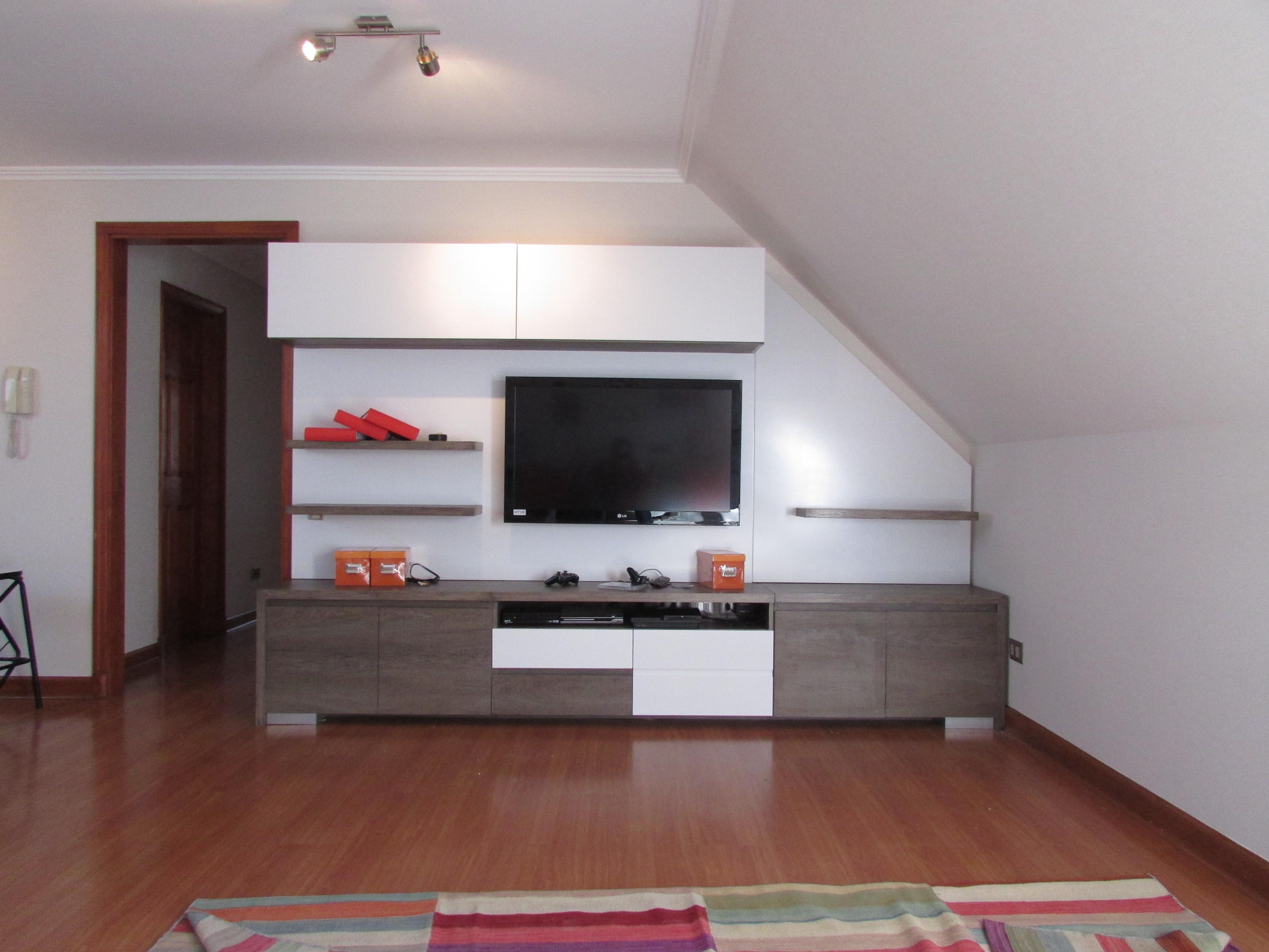 Mueble de televisi n ferrari muebles y espacios for Muebles carrasco
