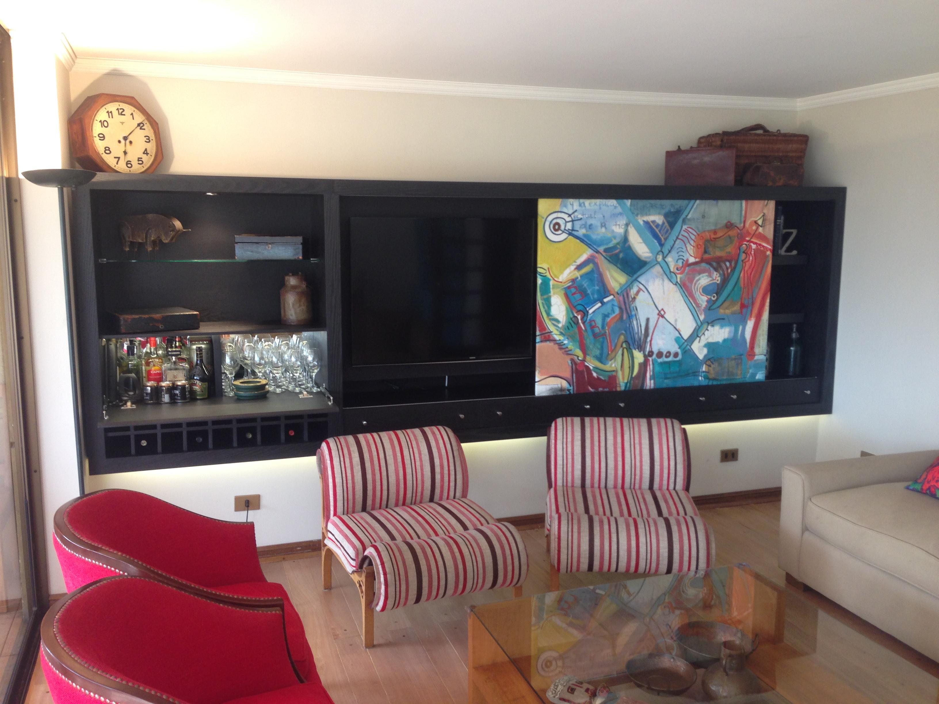 Mueble de Bar y Televisión – Ferrari, Muebles y Espacios