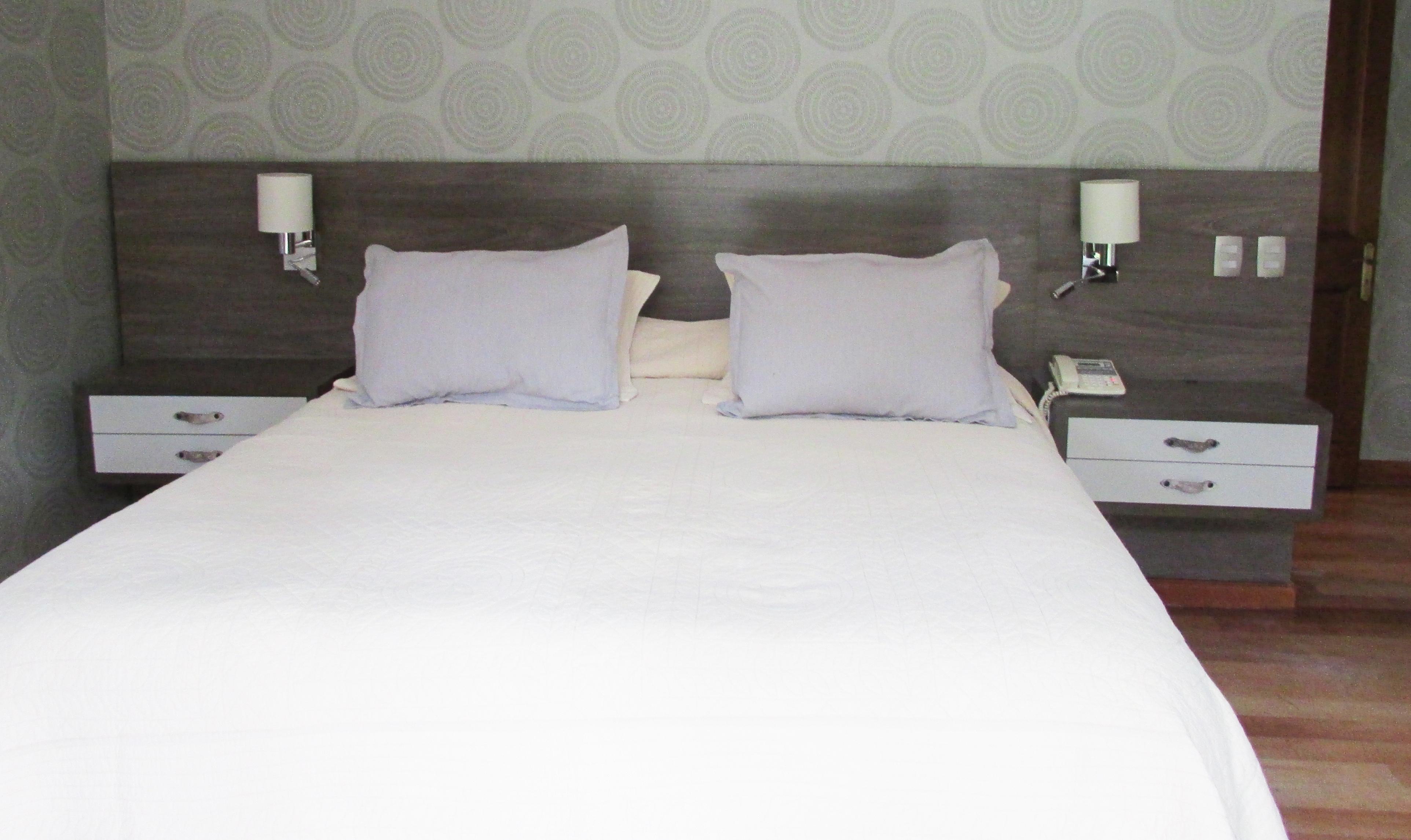 Respaldo de cama ferrari muebles y espacios - Respaldo para cama ...